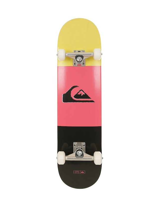 Quiksilver Complete Skateboard Division 7.8