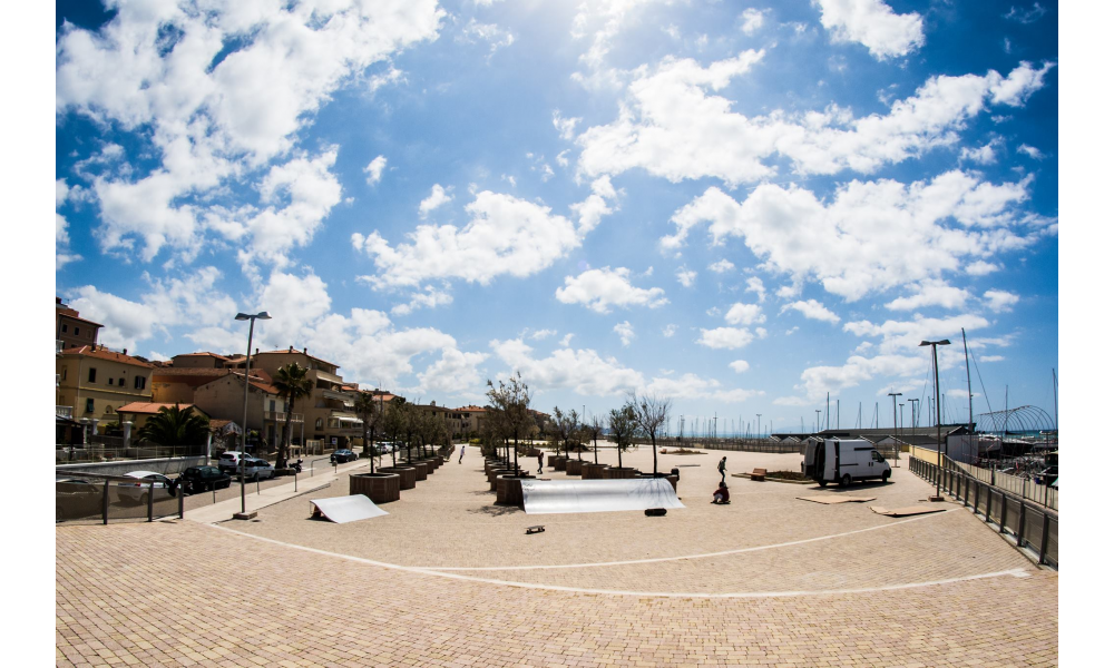 Prima Rampa Da surf skate in Toscana Sponsored By Vag Surf Shop